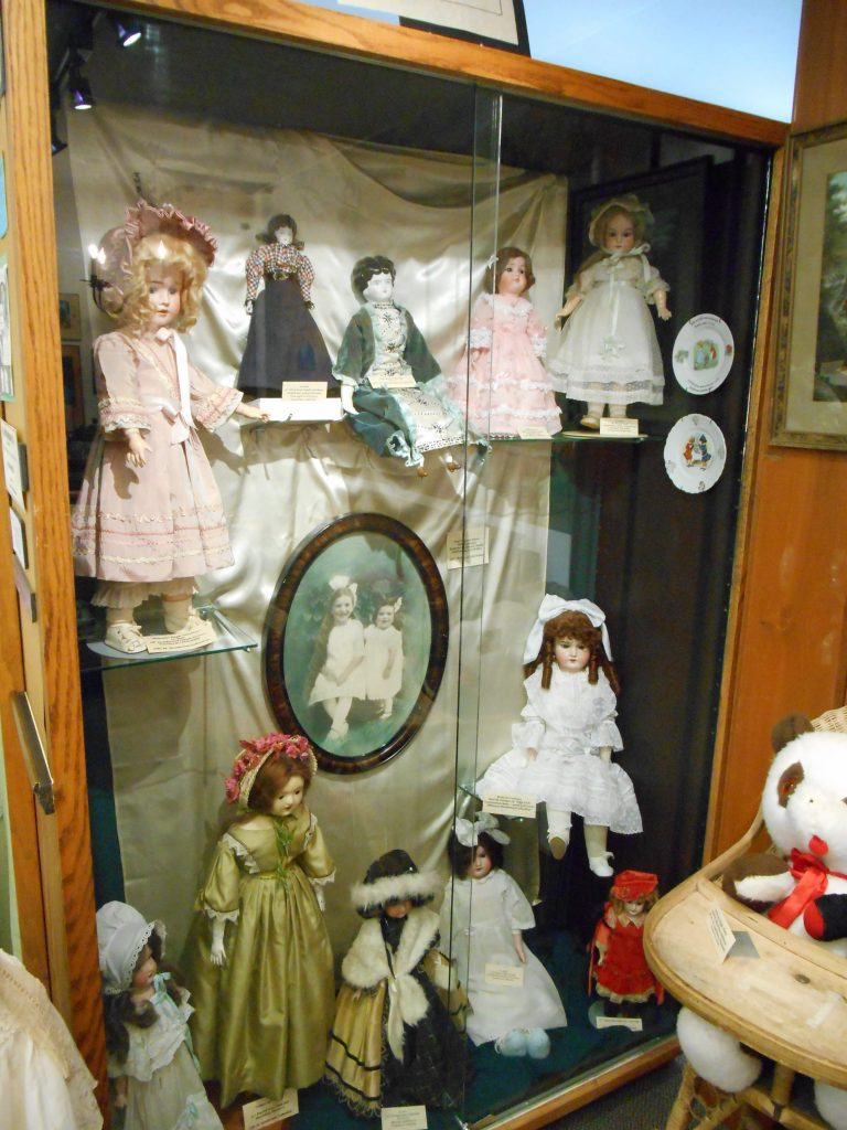 doll-exhibit
